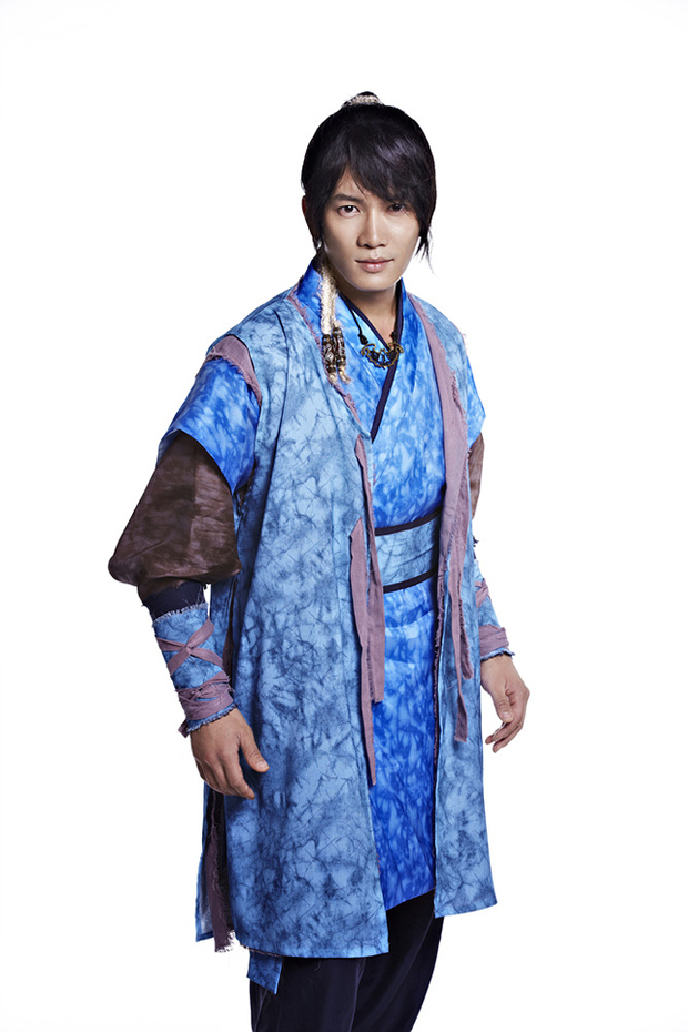 http://www.koreafilm.ro/blog/wp-content/uploads/2012/09/ji-sang.jpg